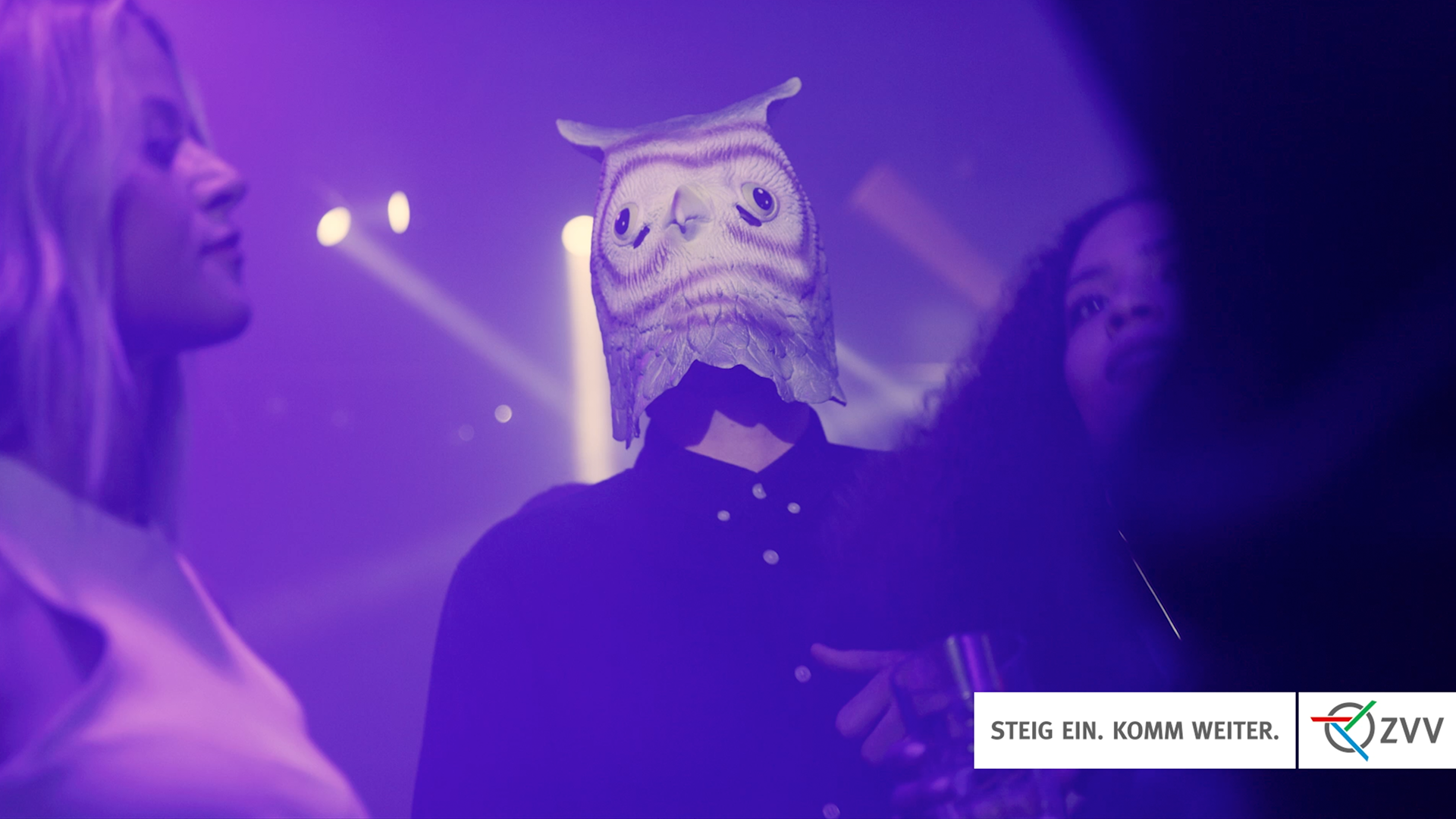ZVV Film Shoot – A guy wearing a pigeon mask in a discotheque